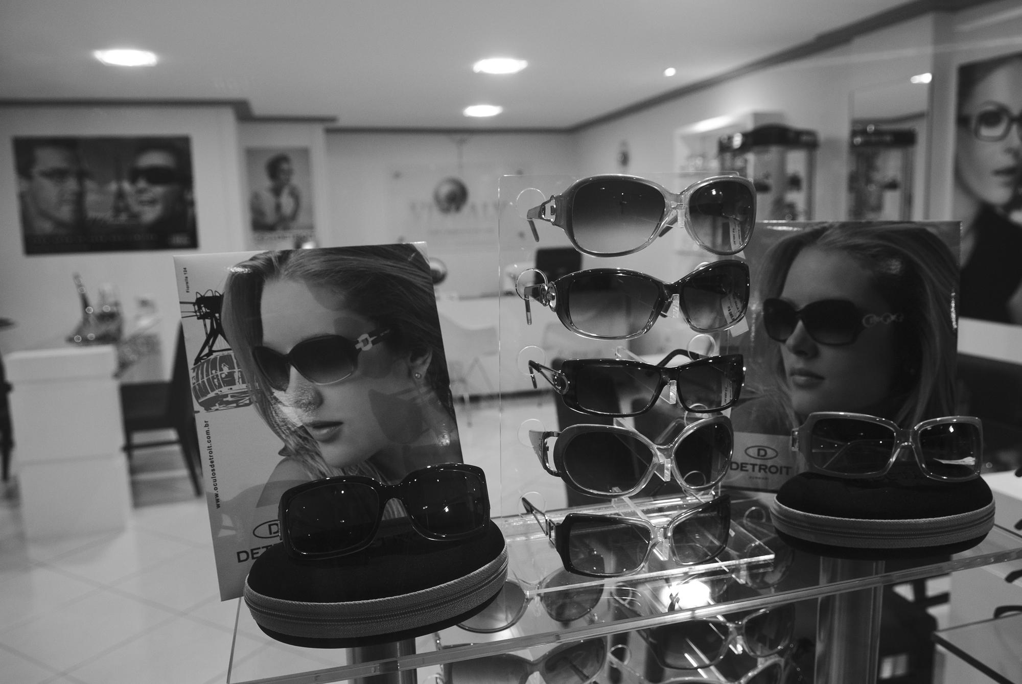 Saiba como escolher os modelos certos de óculos para você - Ótica ... 2230190e23